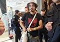 Противники ЛГБТ-марша напали на гражданина Израиля в Макдональдсе