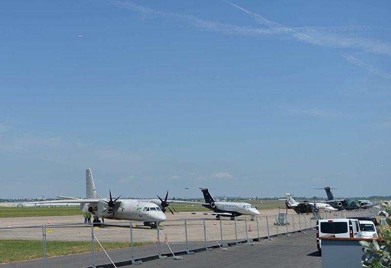 Украина представила 1-ый самолет без русских деталей вЛе-Бурже