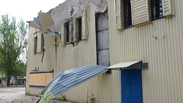 Последствия обстрела Киевского района Донецка