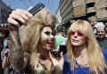 Травести-дива Монро во время Марша равенства ЛГБТ-сообщества Киева