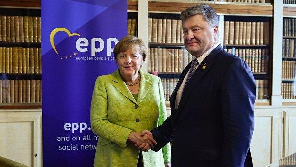 ВБрюсселе начались переговоры Порошенко иТуска