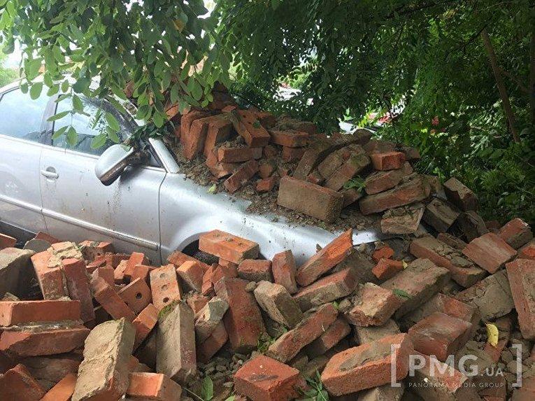 Обрушение стены в Мукачево
