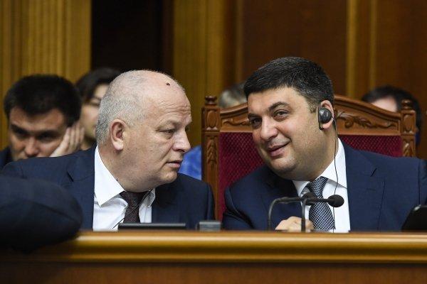 Первый вице-премьер-министр Степан Кубив и премьер-министр Владимир Гройсман