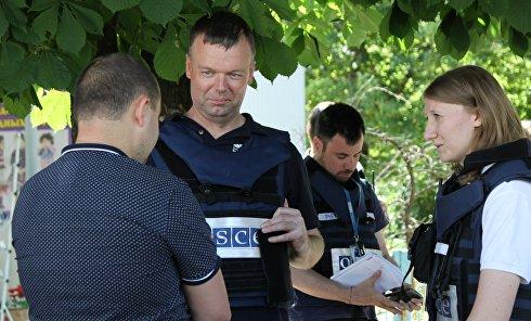 Первый замглавы СММ ОБСЕ в Украине А. Хуг посетил г. Ясиноватая в Донецкой области