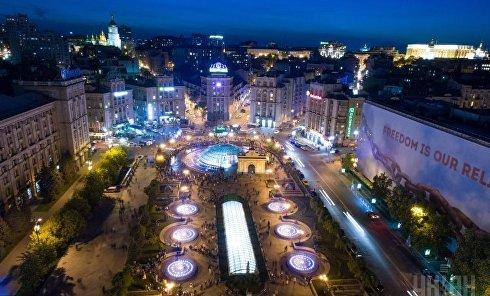 Фонтанный комплекс Малые и Большие чаши на Майдане Незалежности в Киеве