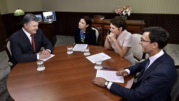 Интервью президента Петра Порошенко украинским телеканалам