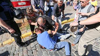 Столкновение между полицией и вкладчиками Михайловского