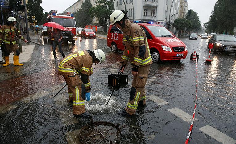 Последствия ливня в Берлине
