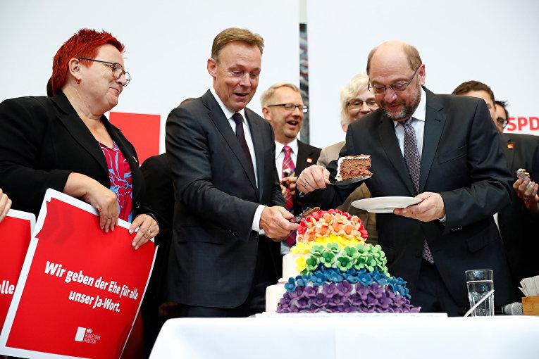 Парламент Германии одобрил однополые браки