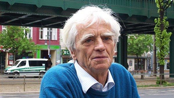 Член комитета от партии Зеленых Ханс-Кристиан Штрёбеле