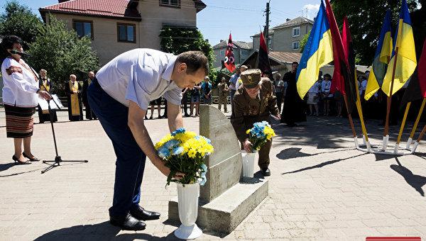 Закладка камня под строительство памятника роману Шухевичу