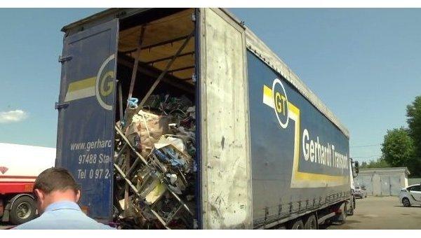 ВЧеркассах обнаружили грузовой автомобиль сльвовским мусором