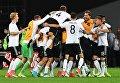 Игроки сборной Германии радуются победе в финальном матче Кубка конфедераций-2017 по футболу между сборными Чили и Германии