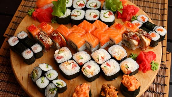 Суши и роллы. Архивное фото