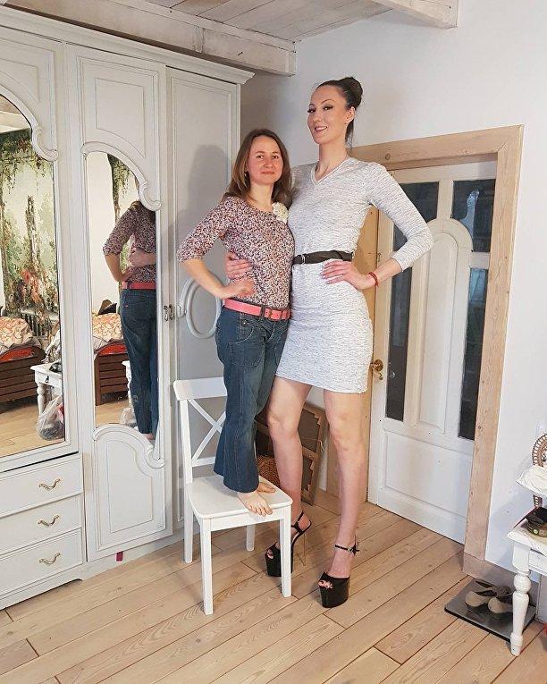 Россиянка с самыми длинными ногами метит в книгу Гиннесса