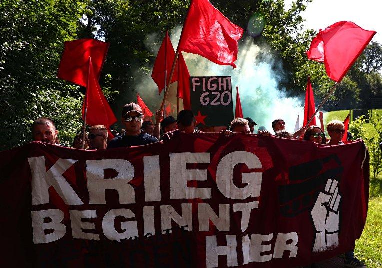 ВГамбурге милиция водомётами разогнала противников G20