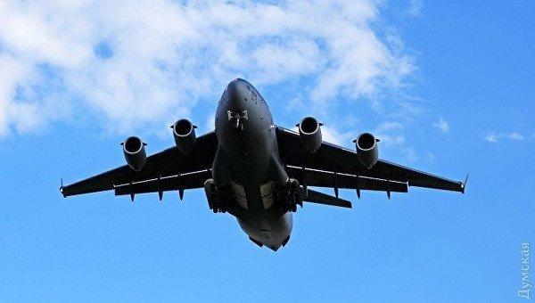 Самолет ВВС США C-17 Globemaster III в Одессе
