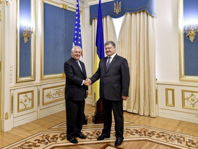 Встреча госсекретаря США Рекса Тиллерсона и президента Петра Порошенко