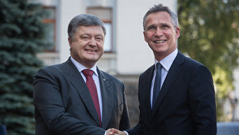 Встреча президента Петра Порошенко и Генерального секретаря НАТО Йенса Столтенберга в Киеве