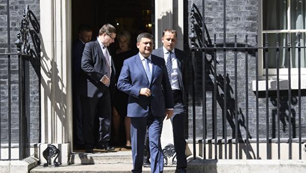 Владимир Гройсман в ходе визита в Великобританию