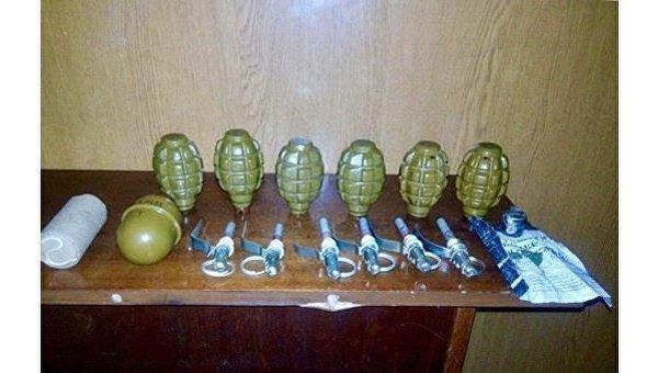 Навокзале вМариуполе умужчины отыскали семь гранат