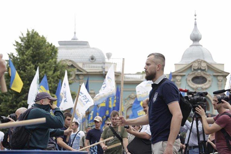 Националисты требуют снять неприкосновенность с нардепов