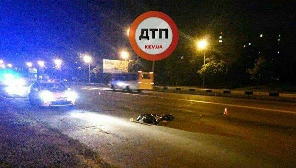 Чудовищная смерть: вКиеве иностранная машина сбила перебегавшую дорогу женщину