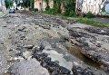 В центре Одессы ливень смыл весь асфальт с улицы