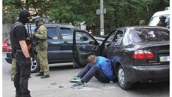 В Виннице со стрельбой напали на ювелирный магазин
