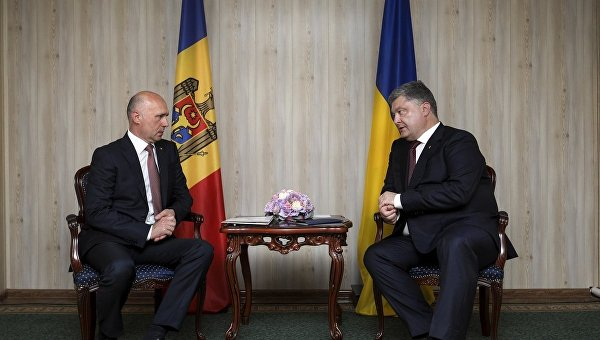 Президент Петр Порошенко на встрече с премьером Молдавии