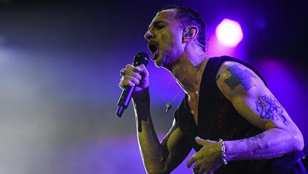 Солист британской группы Depeche Mode Дэйв Гaан