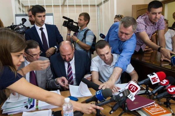Суд избирает меру пресечения депутату Рады Бориславу Розенблату