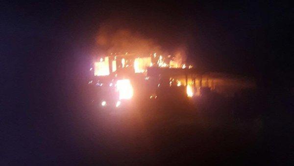 Пожар на складе топливных брикетов во Львовской области
