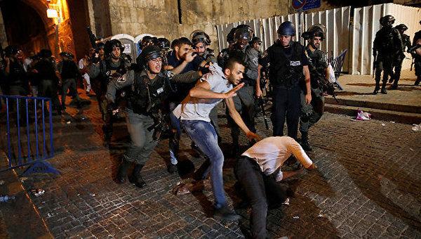 Беспорядки и столкновения у ворот Храмовой горы в Иерусалиме