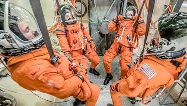 Космическое агентство NASA протестировало новый скафандр Advanced Crew Escape Suit
