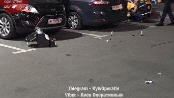 Убийство мужчины на парковке ТЦ в Киеве