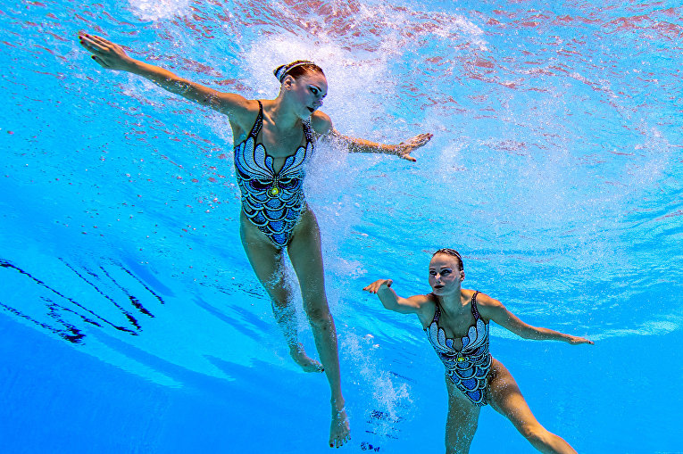 Украинский дуэт на соревнованиях по синхронному плаванию чемпионата мира по водным видам спорта