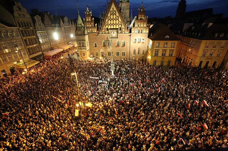 Президент Польши наложит вето назакон оВерховном суде
