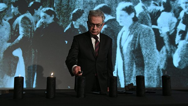 МИД Польши: закон осносе монументов некоснется воинских захоронений