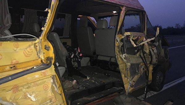 Микроавтобус, в котором погибла спецкор Страны Стася Рафал