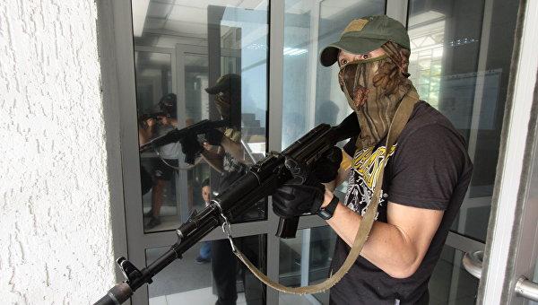 Учения по противодействию террористической угрозе в Луганске