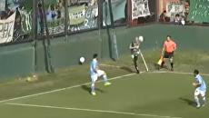Судья спас жизнь футболисту во время матча в Аргентине