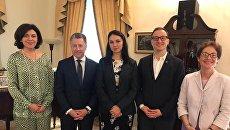 Спецпредставитель США по Украине Курт Волкер в понедельник провел встречу с вице-спикером Верховной Рады Оксаной Сыроид и рядом депутатов