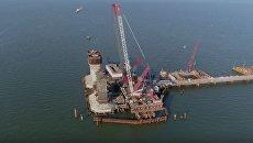 Строители начали монтаж верхних частей самых высоких опор Керченского моста