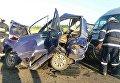 ДТП под Львовом: микроавтобус и грузовик раздавили троих человек в авто