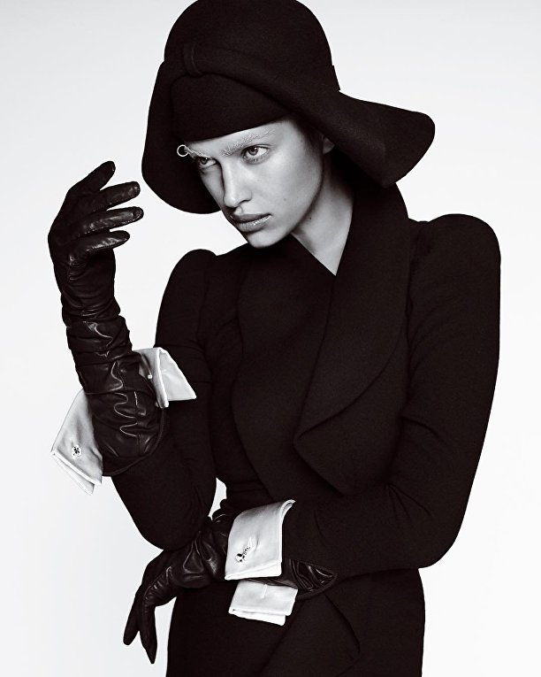 Ирина Шейк снялась обнаженной для известного журнала