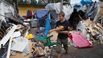 В Киеве снесли рынок возле станции метро Лесная