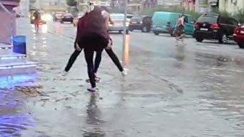 Затопленные улицы в Ивано-Франковске