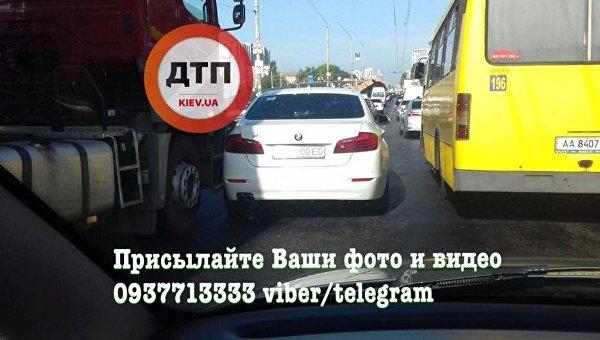 Столкновение грузовика и BMW в Киеве, 26 июля 2017