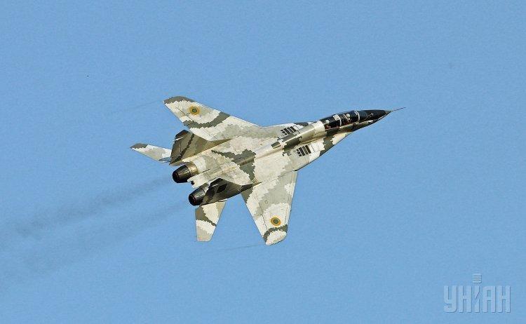 Тренировки украинских пилотов: у небо под Киевом поднялись истребители МиГ-29